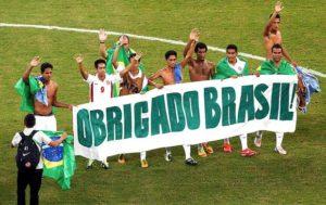 Calciatori di Tahiti al termine della Confederations Cup,