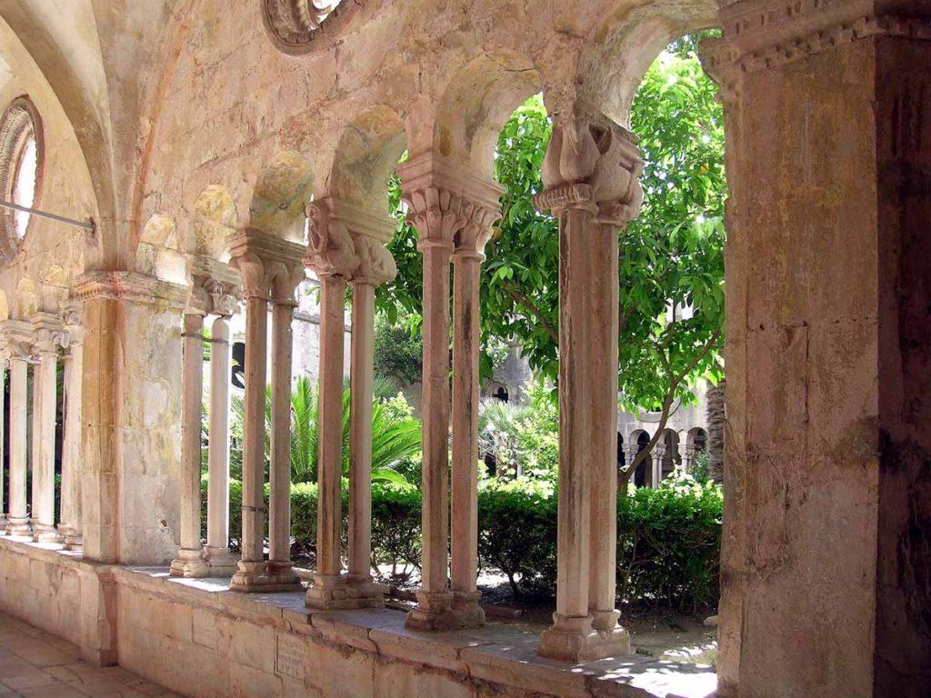 Targaryen - abbazia benedettina