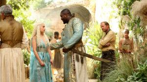 Targaryen: Xhoan Daxos e Danenerys nel chiostro