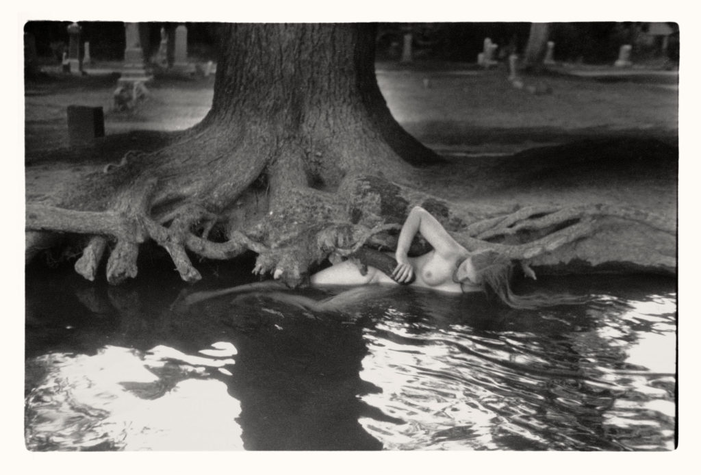 Sciamani - ©Francesca Woodman, Untitled, Boulder, Colorado, 1972–1975.