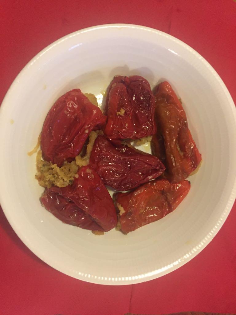 Rosso - Piatto di peperoni rossi dolci ripieni